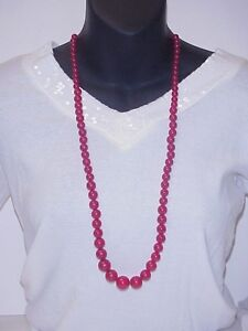 VINTAGE-CHERRY-RED-BAKELITE-NECKLACE