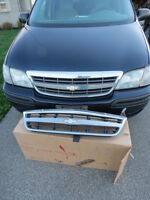 Front grille off Venture