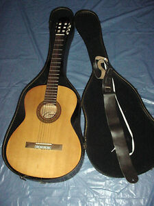 Sunlite-GCN-1600G-Full-Size-Classical-Acoustic-Guitar-With-Case-Belt-NICE