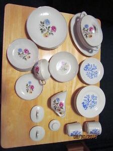 Vintage Childrens Tea Set pieces Kitchener / Waterloo Kitchener Area image 1