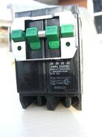 WESTINGHOUSE SIEMENS (ITE) BL TYPE 'QUAD' CIRCUIT BREAKERS
