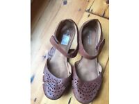 Naturalizer Brown Leather Flats (8W)