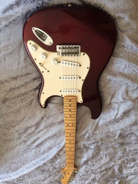 Fender Stratocaster - Mexican, Cherry Red
