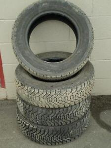 195/65R15 set of 4 Goodyear Winter Used (inst. bal.incl) 90% tread left