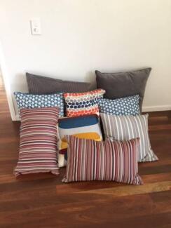 decorative cushions x 10