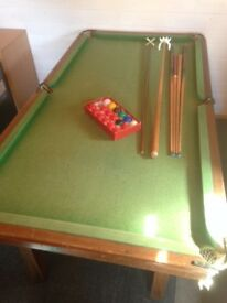 Snooker Table in Colchester - 6ft x 3 ft - with accessories -£25 !
