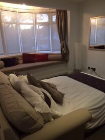 Large Double Room - Short Let in Kingsbury £140 pw.