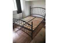 Doubl bed with mattress can deliver