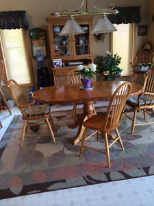 Mennonite Pine Dining set with Antique Hutch