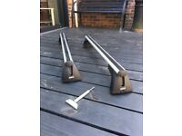 Roof bars for BMW 1 series with Key - hardly used!
