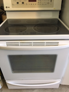 LG SMOOTH TOP TOUCH SCREEN CONVECTION STOVE FOR SALE !!!