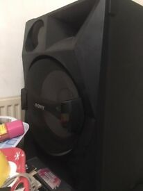 Sony 33 Shake top speakers
