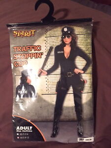 woman's police officer costume Kitchener / Waterloo Kitchener Area image 1