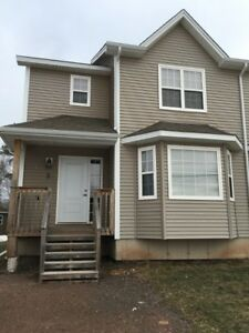 5 WHISPERWOOD - GREAT SEMI IN DESIRABLE NORTH END