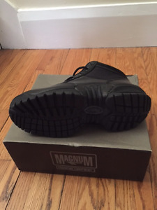 Magnum Midnite Plus II Safety Boot - Size 6.5 BRAND NEW