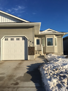 Melville 1/2 Duplex with Garage