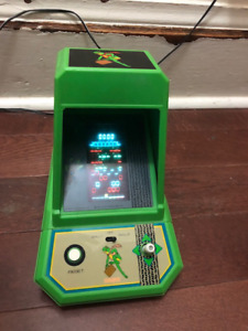 The Official Frogger Coleco Tabletop Arcade -Vintage
