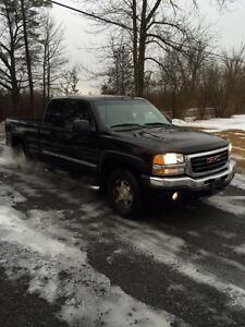 2004 GMC Z71 4X4 PARTING OUT Peterborough Peterborough Area image 4