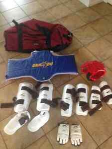taekwondo sparring gear with carrying bag