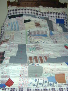 BEAUTIFUL HAND SEWN ANTIQUE QUILT
