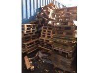 Broken & used wooden slat pallets in various sizes. Ideal for Bonfire night.
