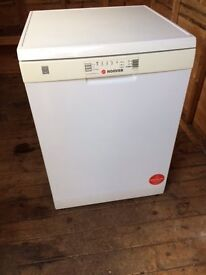 HOOVER DDY062: Freestanding A rated 12 place setting dishwasher with Start delay function.