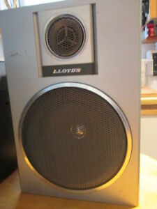 2 speakers Lloyd`s