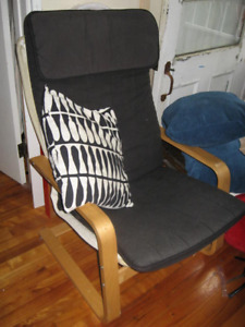 chaise ikea, desserte et table