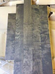 LIQUIDATION de planchers de bois francs haut de gamme