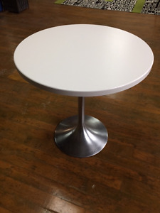 "30"" White table"
