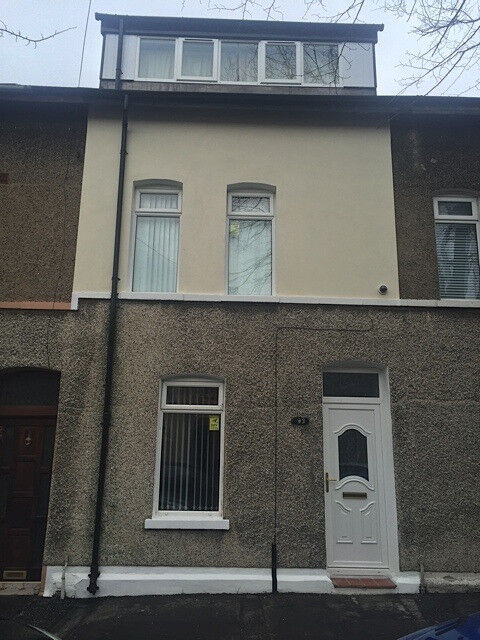 SUPERB RECENTLY RENOVATED THREE DOUBLE BEDROOM HOUSE IN BELFAST NEAR CITY CENTRE