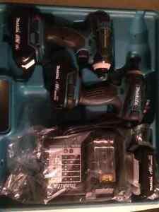 2X Tournevis a choc MAKITA 18V 3 batterie. impact screw driver
