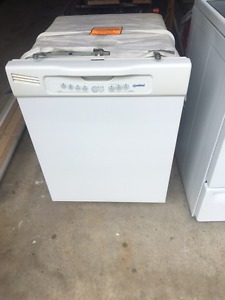 """30""""GE S/C Smooth Top GE White Stove"""