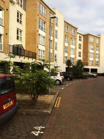 1 bedroom flat to rent Fisgard Court, Admirals Way, Gravesend, DA12 2AW