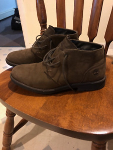 Timberland Chukka Boots - Mens size 9 - Great Condition
