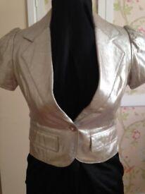 Fabulous silver short-sleeved leather jacket
