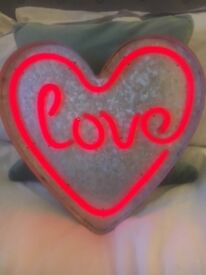 Light up love heart sign