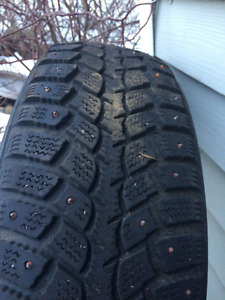 one studded 195-65-15 tire