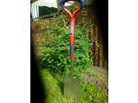 "**FOR SALE** Spear and Jackson ""steel"" garden spade.. Never used!"