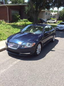 2011 Jaguar XF Premium Luxury Sedan - Low mileage