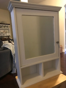 Medicine cabinet - wall mounted