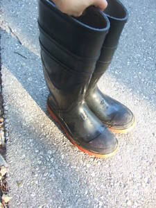different  rubber boots size 5,7, 10