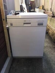 Second hand Bosch white dishwasher Denistone East Ryde Area Preview
