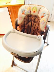 CLEAN, ALMOST NEW GRACO HIGH CHAIR