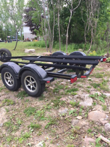 Sea Ray duel axle trailer with surge brakes in great  condition