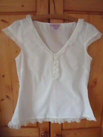 Monsoon cap sleeve white cotton top. Size 12. Great for summer! £4 ovno.