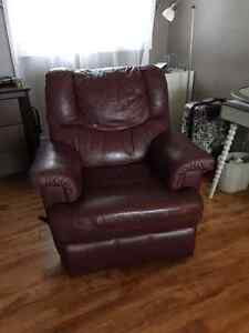 Quality Leather Recliner Smoke free Home-Purchased New