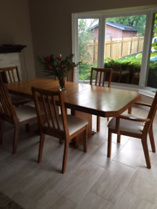 Oak dining set table, 6 chairs, 2 piece china cabinet
