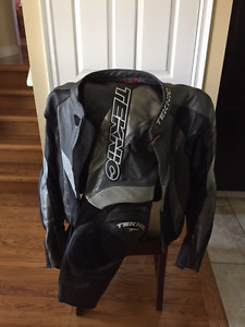 TEKNIC  2 pc. Leather Racing Suit