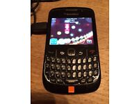 Blackberry Curve 8520, charger and leather case
